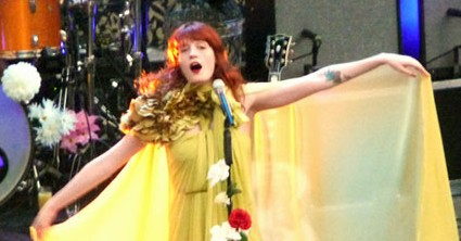 Florence Welch performing