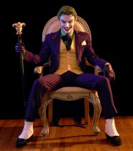 harleys-joker-cosplay-throne