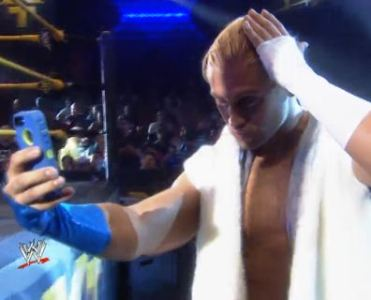 tyler-breeze-nxt-selfie-web